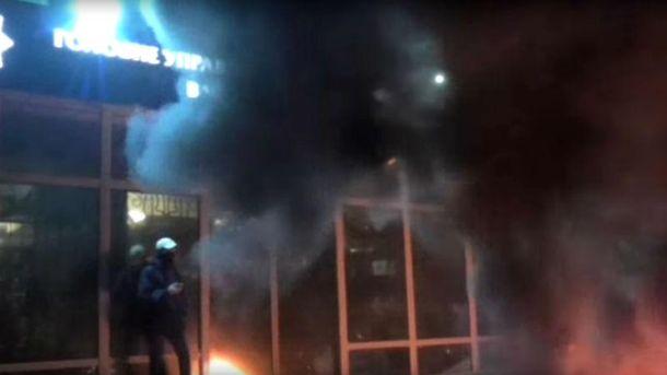 ВЧеркассах активисты заставили начальника милиции спасаться бегством