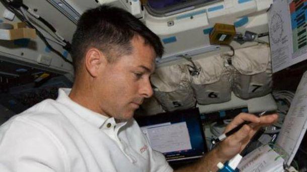 Американский астронавт проголосовал навыборах президента США сорбиты