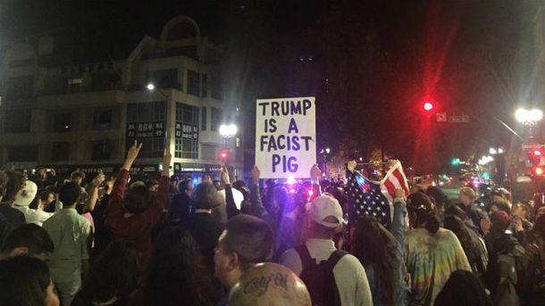 ВСША прошли акции протеста против победы Трампа