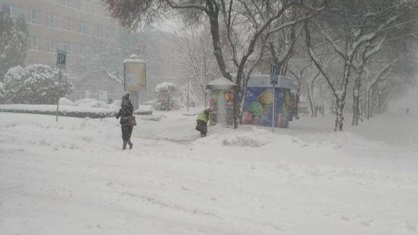 Снігопади в Україні: додатковий вихідний для школярів оголосили на Тернопільщині