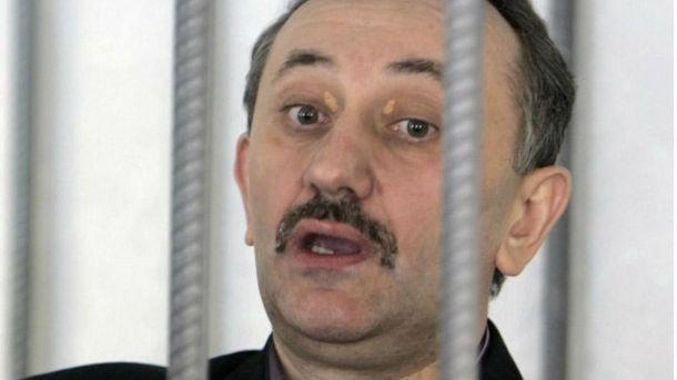 Судья-колядник Зварич принял решение восстановиться вдолжности