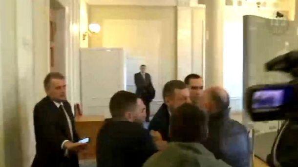 Ляшко иМосийчук опять участвовали впотасовке вРаде