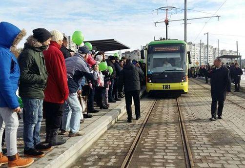 ВоЛьвове запустили долгожданный трамвай нажилой массив Сихов