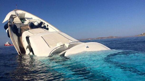 Уберегов Греции разбилась парусная яхта сукраинцами наборту