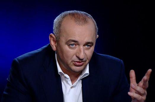 Матиос убегал от корреспондентов, избегая ответов навопросы