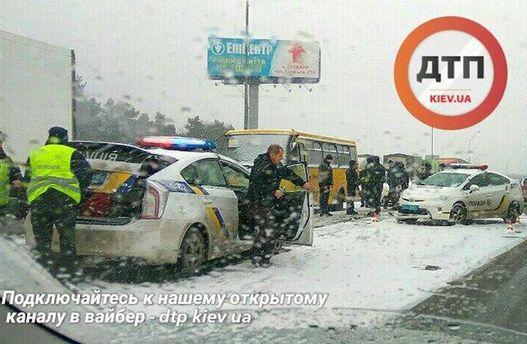 ВКиеве спогоней задержали водителя, который протаранил маршрутку