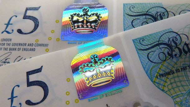 Английские веганы пожаловались наживотные жиры в5-фунтовой банкноте
