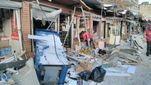 ВКиеве снесли МАФы около станции метро «Политехнический институт»