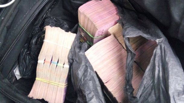 ВХарькове умужчины украли сумку смиллионом грн