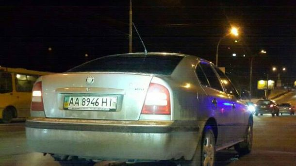 ВКиеве шофёр легковушки сбил 2-х детей ссанками