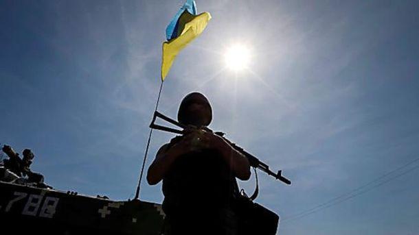 Один украинский военный ранен засутки взоне АТО