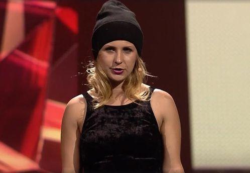 Участница Pussy Riot врозовой балаклаве выступила вподдержку Сенцова
