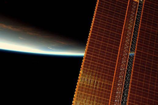 Астронавт NASA продемонстрировал снимок рассвета сборта МКС