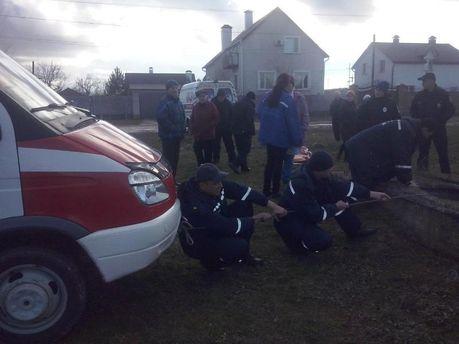 Ребенок чудом выжил после падения в50-метровый колодец наХерсонщине