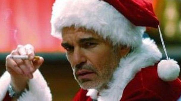 ВПеру полицейский вкостюме Санта-Клауса взял штурмом наркопритон