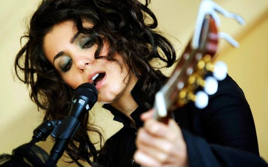 Известная британская эстрадная певица исполнила украинский Щедрик вэфире BBC