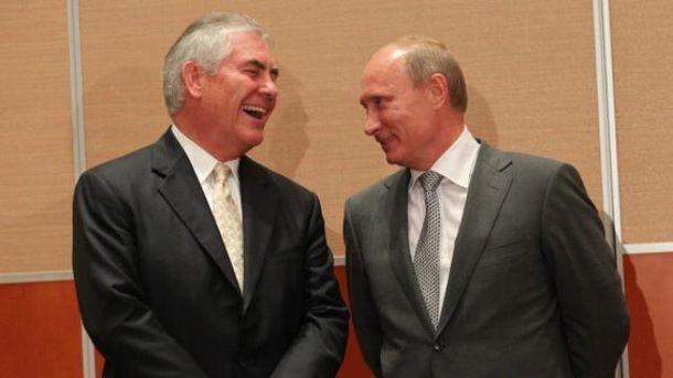 Компания будущего госсекретаря США заблокировала акт осанкциях вотношении Российской Федерации