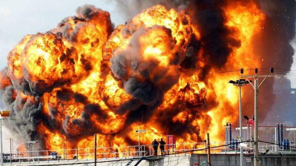 Опасный пожар нанефтеперегонном заводе вХайфе. Жителям Крайот запретили открывать окна
