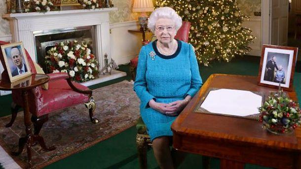 ЕлизаветаII впервый раз за30 лет непришла нарождественскую мессу