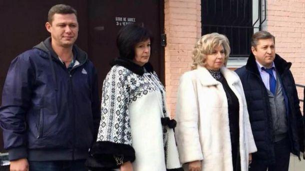 Жители России разрешили Лутковской увидеться стремя политзаключенными вместо 42