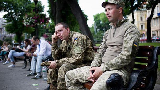 ВКиеве избитый грабителями боец АТО несдался: появились детали ифото