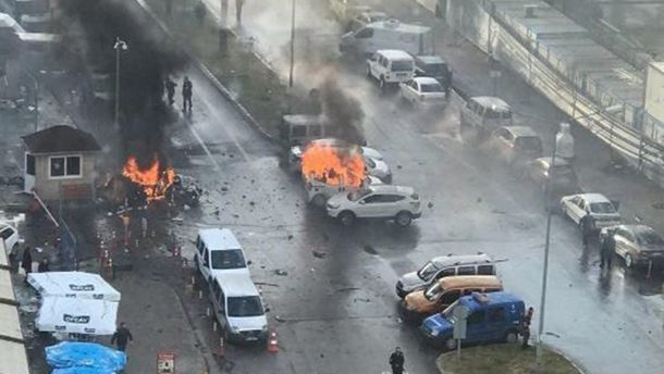 ВИзмире ликвидированы двое террористов, которые устроили взрыв усуда