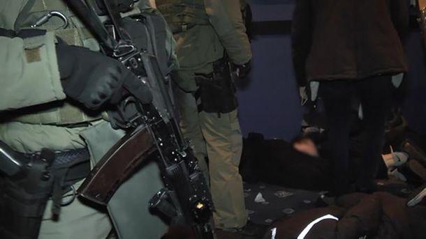 ВКиеве разоблачили невежливую банду, спецназовцы задержали 29 человек