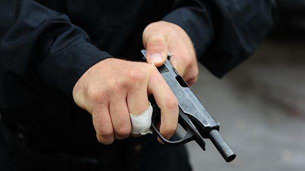Вресторане столицы Украины мужчина неожиданно выстрелил себе вголову