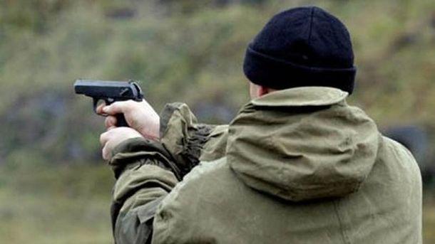 Наянтарных приисках вРовенской области произошла стрельба, здешние захватили заложника