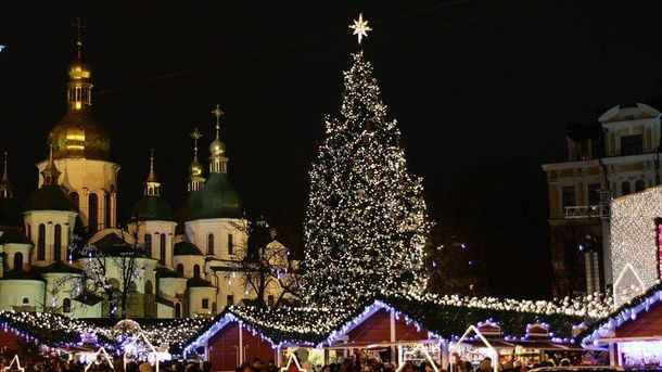 Главную елку Украины распилят насувениры