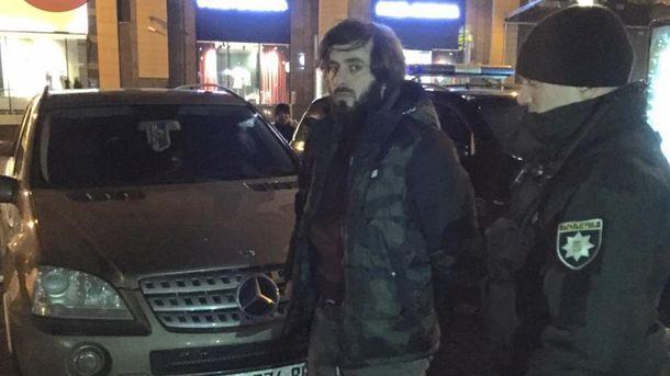 ВКиеве задержали вооруженных разведчиков интернационального миротворческого батальона