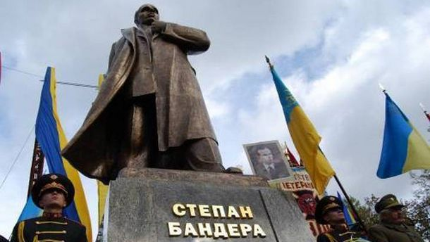 Попытки создавать «культ Бандеры» поканонам «культа Ленина» вредны,— Вятрович