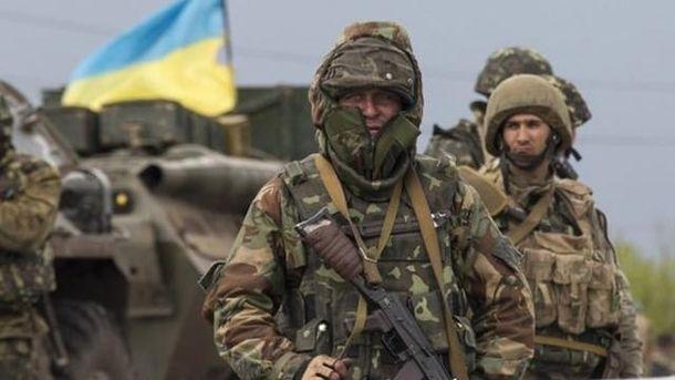 Штаб АТО: Засутки позиции ВСУ наДонбассе боевики обстреляли 61 раз
