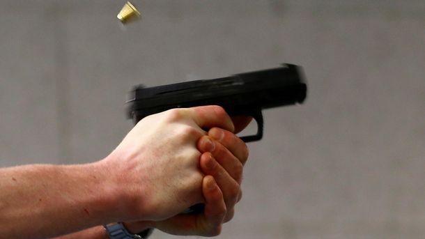 Стрельба вКиеве: молодой парень ограбил отделение Укрпочты