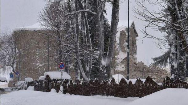 Сокрушительная лавина в Италии, Королева прибыла в Киев, – главное за сутки