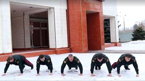 5 генералов Нацгвардии присоединились кPushupChallenge