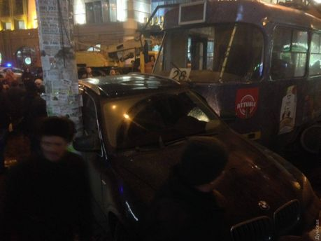 ВОдессе трамвай сошел срельсов, задев 5 авто