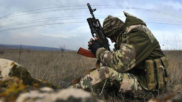 Боевики 22 раза обстреляли позиции сил АТО ввоскресенье