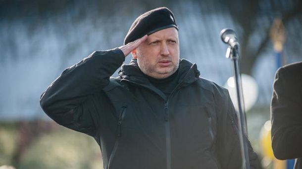 Турчинов назвал количество военных-предателей вКрыму