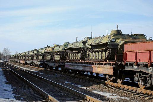 Росія продовжує відправляти на Донбас військову техніку