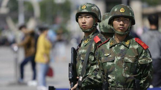 Китайські військовослужбовці