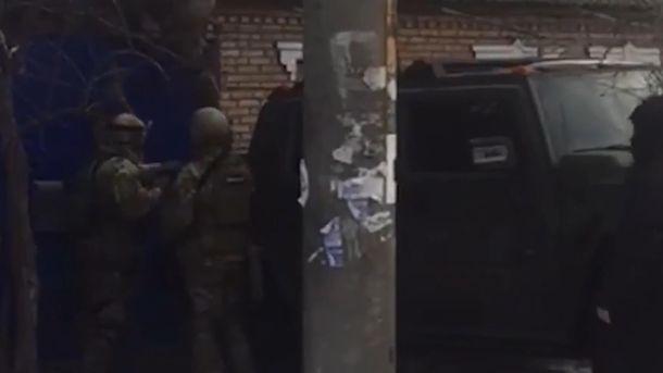 Полиция провела массовые обыски и аресты по всей Украине