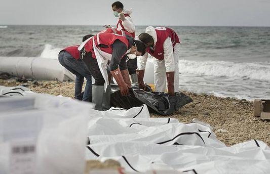 Наберег Ливии выбросило тела 74 мигрантов