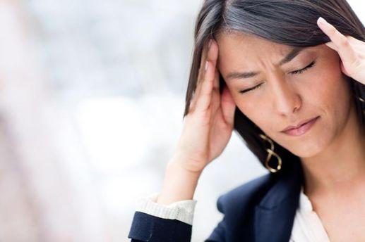 Як лікувати головний біль без медичних препаратів: варто знати