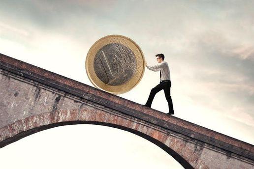 Нацбанк опять снизил официальный курс гривни— до27,05 задоллар