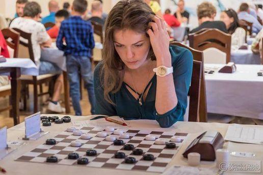 Одесситка стала победительницей шашечного турнира воФранции