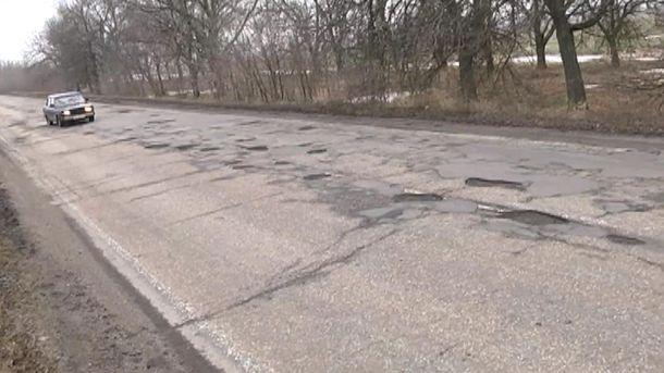 Не дороги, а напрямки: що не так з будівництвом та ремонтом українських доріг
