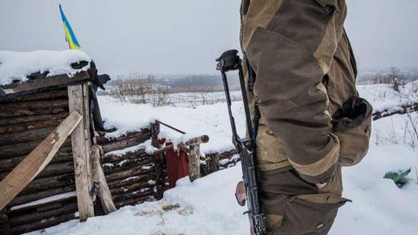 Один украинский военный умер, 22 ранены вчетверг взоне АТО