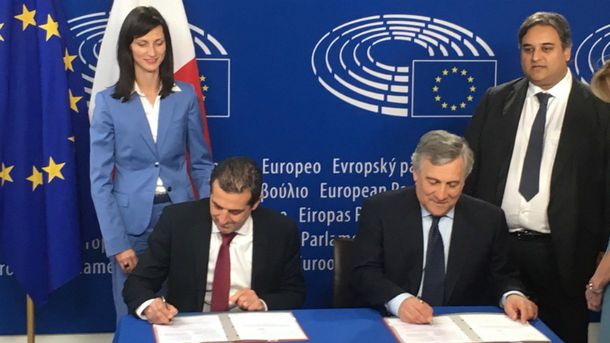 Председатель Европарламента подписал документ обезвизовом режиме для Грузии