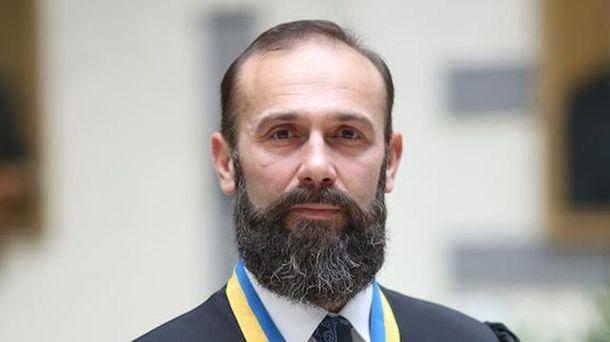 Вгосударстве Украина принято скандальное решение посудье, которого подозревали вкоррупции